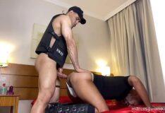 Gay amador dando de quatro pro policial da picona