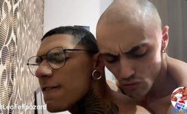 Gay arrombado gemendo na pica grande do dotado