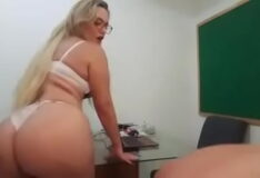 Porno na escola puta loira dando pro professor do pauzão